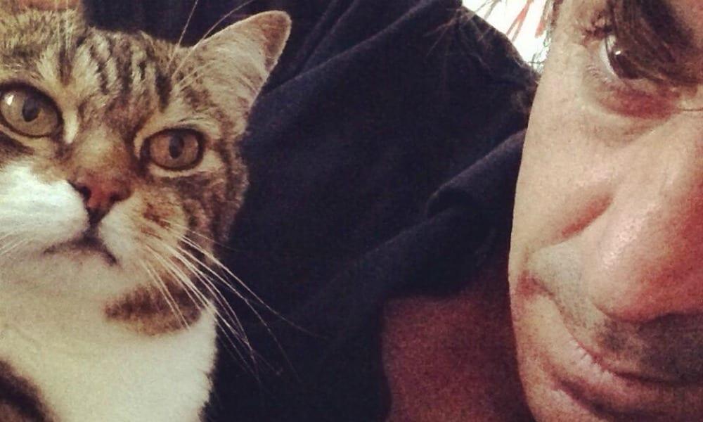 """Marco Mazzoli dice addio al gatto Victor: """" Ti amerò sempre"""""""