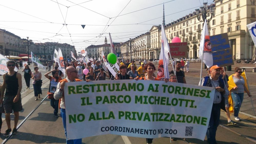 Torino: tutti in piazza per dire no agli zoo